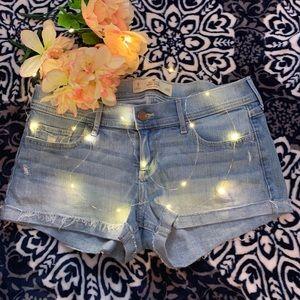 Hollister light wash shorts size 9